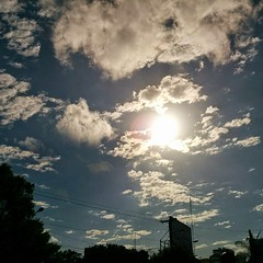 Good morning everybody! 🌞 #sky #clouds... (josealvarezn) Tags: city sky clouds lights natural tomorrow goodmorning reflects towork noeffects uploaded:by=flickstagram instagram:photo=7209064107692553809933329 instagram:venuename=avtiradentes instagram:venue=229417012