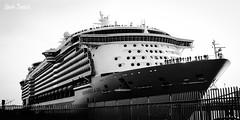 26 (alberto_barbeito) Tags: muelle corua barco independece trasatlantico