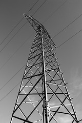 transmission tower II (blaendwaerk) Tags: white black tower canon eos power steel meadow wiese sigma line overhead schwarz transmission stahl strommast weis 650d 1750mm