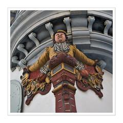 Erker II / St. Gallen (Splitti68) Tags: europa europe schweiz stgallen erker figur holzschnitzerei architektur architecture archtectur quadrat square rahmen splitti splitti68 splittstser splittstoesser