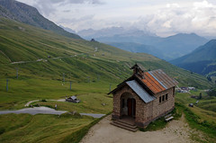Passo Pordoi (pentars) Tags: passo pordoi italy landscape scenery view mountains church clouds beautiful alps wide grass pentax k5ii fa 2490