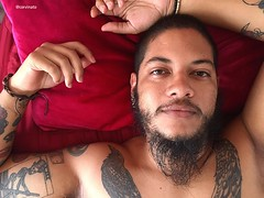 Pouso (Corvinato) Tags: me tattoo tattoos tattooed tattooedboy tattooedman poetic beauty red bed beard beardman beardedman bearded beards