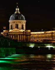 Green lights are installed, along with hydrophones, under the Pont des Arts as an art installation for the Nuit Blanche (alcowp) Tags: nuit night seine river nuitblanche artinstallation institutdefrance pontdesarts bridge paris france