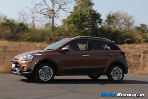2015-Hyundai-i20-Active-44