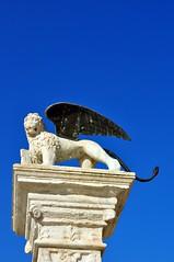 Marostica (SuniBu) Tags: statua marostica colonna piazzacastello veneto leonedisanmarco piazzadegliscacchi