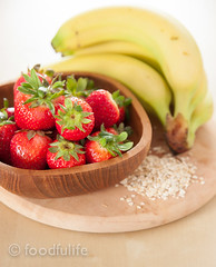 Strawberries and banana on rustic wood (foodfulife) Tags: stilllife fruit photography lemon strawberry strawberries whole smoothie oats frutta vitamins vitamine smoothy foodphotography fragole wholegrain babana rolledoats serenacarminati foodfulife limoneintero