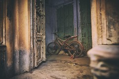 Abandoned Dreams (Eddie HBH) Tags: old india dusty abandoned bicycle sad delhi lonely locked