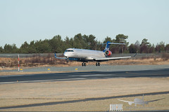 SAS (Op. by Cimber) - OY-KFE - CRJ-900 (Aviation & Maritime) Tags: oykfe sas scandinavianairlines scandinavian cimber crj crj900 crj900nextgen canadairregionaljet bgo enbr bergen bergenlufthavnflesland bergenairportflesland flesland norway