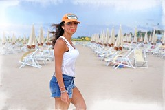 Wicked (Steve Lundqvist) Tags: beach spiaggia mare sea seaside adriatic coast cap baseball dsquared hat girl wicked ragazza shorts hot pants model modella beauty lipstick jeans kohl makeup colors fashion moda vogue casting