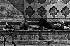 Street or.....sleep! (stefanonikon1) Tags: street blackwhite nikon sleep simo afs70300vr d7000