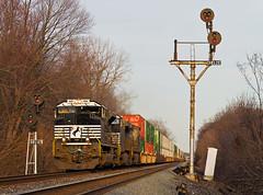 NS 1105, NS Chicago Line, Kendallville, Indiana (monon738) Tags: train railroad railway railfanning locomotive engine diesellocomotive pentax k5iis containertrain emd electromotivedivision emdsd70ace sd70ace intermodaltrain stacktrain indiana kendallvilleindiana noblecounty nschicagoline ns1105 unit ns norfolksouthern signals nycsignals bracketmast smcpda50135mmf28edifsdm