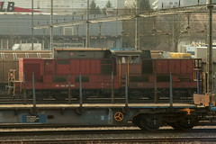 SBB Rangierlokomotive Am 6/6 18523 ( Diesellokomotive => Hersteller Henschel - BBC => Inbetriebnahme 1976 ) am Rangierbahnhof Limmattal im Kanton Aargau - Zrich der Schweiz (chrchr_75) Tags: chriguhurnibluemailch christoph hurni schweiz suisse switzerland svizzera suissa swiss chrchr chrchr75 chrigu chriguhurni mrz 2015 albumbahnenderschweiz albumbahnenderschweiz201516 schweizer bahnen eisenbahn bahn train treno zug 1503 albumzzz201503mrz juna zoug trainen tog tren  lokomotive  locomotora lok lokomotiv locomotief locomotiva locomotive railway rautatie chemin de fer ferrovia  spoorweg  centralstation ferroviaria