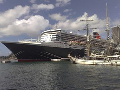 Queen Mary 2 at Circular Quay (Corinneski) Tags: sydney australia circularquay queenmary cruiseship newsouthwales queenmary2 cunard sydneyharbour cruiseliner cunardline
