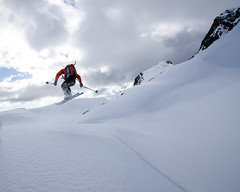 Playing around after skiing the steeper upper mountain. (nevadoyerupaja) Tags: norway skiing
