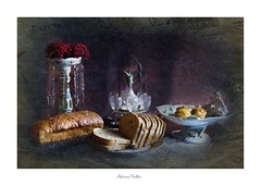 af1805_3642 (Adriana Füchter ... thank you for 5 Million Views) Tags: ovos huevo comida food eggs brown huevos breakfast home made uevo cooked bandeja object objeto granja farm bread pão textured rustic fruits berries autumn interior atmosfera santacatarina photography 最大ピン relembrança intervençãoartística ペインティング painting designアクリル絵具 relembranças naturezamorta antique porcelana porcelane historico history canon delicious sweet desserts docesfinos candy cakes naked rosales rose rosae flores adriana fuchter vidro crystal cristal alimento still life macro natureza füchter pássaro