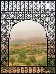 The obligatory picture (Shahrazad26) Tags: elglaoui telouet marokko maroc morocco uitzicht view atlas hogeatlas highatlas raam fentre fenster window
