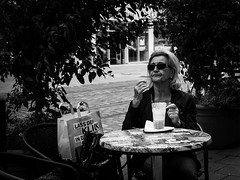 188/366 - Leidenschaft / Passion (Boris Thaser) Tags: street city people blackandwhite bw woman glass coffee sunglasses project germany bag table bayern deutschland bavaria glasses flickr sitting adult furniture candid streetphotography kaffee scene menschen explore stadt creativecommons photoaday passion sw 365 mbel brille frau unposed tisch glas projekt sonnenbrille 43 augsburg tog shoppingbag pictureaday tasche szene sitzend 366 pedestrianzone ungestellt schwarzweis project365 pedestrianprecinct strase querformat leidenschaft einkaufstasche landscapeformat project366 erwachsener fusgngerzone strasenfotografie streettog fujifilmxt1 fujixt1 zweisichtde zweisichtig 27leidenschaft tratasche
