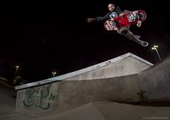 Tomas Hiche - Boneless (Silvio Rodrigo Mendez) Tags: nigth chile skate skateboarding sausalito via boneless strobist jump skatepark ouyou sunrise fisheye nikon d5000 new world order