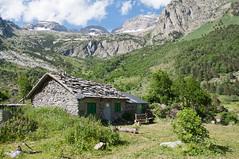Valle de Ests (felixcontrerassanchez) Tags: mountain huesca montaa cabaa estos pirineos valledeestos cabaadelturmo turmo