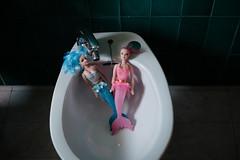 Varadas en el Bidé (GuilleDes) Tags: bidé lavabo sirena desenfocado fotolog
