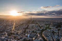 La tour Eiffel (holzer_r) Tags: champdemars tour eiffel paris france frankreich francia stephen sauvestre gustave cie tower mainemontparnasse 15th arrondissement 33 avenue du maine eiffelturm