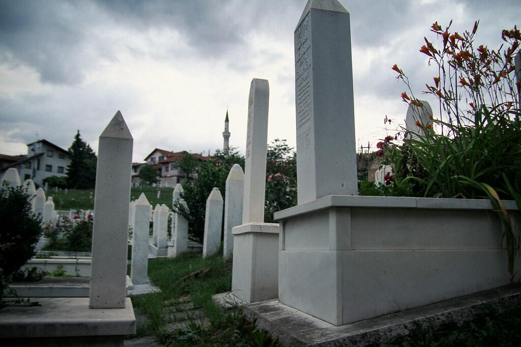 Sarajevo 1992 1995 II Nuuttipukki Tags Cemetery Friedhof Graves Grber