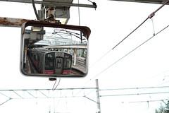 DSCF7456.jpg (kussu1515) Tags: 鏡 クラシッククローム 錆 駅 電線 電車 映り込み fujifilm xt10