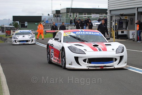 David Brooks in the Ginetta GT4 Supercup at the BTCC Knockhill Weekend 2016