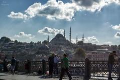 Pescadores en Estambul... (Leo ) Tags: pescador pesca bsforo mezquita gente puente cielo nubes luz ciudad urbana estambul turqua