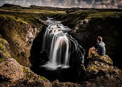 Enjoy the moment (ingoal18) Tags: waterfall foss wasserfall iceland island water wasser falls man nature natur longexposure langzeitbelichtung nikkor nikon d7100 18140mm laugavegur landmannalaugar skogar skogarfoss laugavegurinn fimmvorduhals baldvinnskali river steam bach fluss