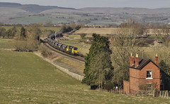 The Crossing Keeper's Cottage. (Jim the Joker) Tags: train railway coal freight stokesay freightliner heavyhaul 70004 class70 4v09 themarchesline