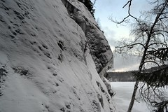 Icicles on the eastern precipice of Romvuori above Lake Pitkjrvi (Espoo, 20120114) (RainoL) Tags: winter lake snow espoo finland geotagged january u icicle fin precipice 2012 uusimaa nyland esbo 201201 20120114 lakesofnuuksio romvuori geo:lat=6029738800 geo:lon=2454182600
