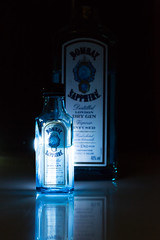 Bombay Saphire II (f.schierloh) Tags: light reisen klein urlaub alcohol tiny short bombay saphir alc funkeln alkohl bombaysaphier