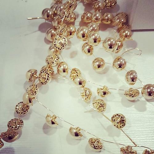 #gold #goldedition #younique #accessori #personalizzati #madeinitaly #handmade #collane #bracciali #spille #orecchini #earrings #swarovsky #pelle #personalizza #lettera #instagood