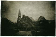 (polyphren) Tags: cathedral erfurt dom lith lithprint holgalens se5lith rolleivintage128