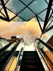 """""""Escalera al cielo"""" (atempviatja) Tags: arquitectura escalera cielo nubes salida diseño"""
