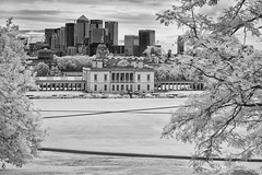 View from Greenwich Observatory hill (Solas beag) Tags: infrared nikond70 greenwich royalobservatorygreenwich filter edmundoptics ir edmund optics edmundoptics93952 650nm opticalcastirfilter royalmaritimemuseum longpass flickr austinohara london thames silverefexpro2 lightroom3 d70