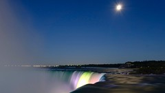 Niagara Falls night view (darkbxcreative) Tags: lights darkboxcreative rx100m2 f71 iso160 zeiss sonyrx100 longexposure niagara falls ontario water night photography canada