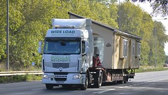 PO60 EDC (panmanstan) Tags: renault premium wagon truck lorry commercial wideload freight transport haulage caravan vehicle a63 southcave yorkshire