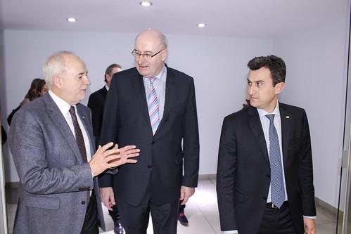 Joan Mir y Alejandro Monzón reciben a Phil Hogan