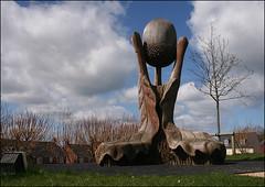 Acorn Sculpture (Canis Major) Tags: sculpture oak landmark gloucestershire acorn hilltop