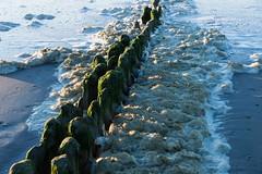Wellenbrecher mit Meeresschaum-03372 (knipser24) Tags: deutschland norderney niedersachsen