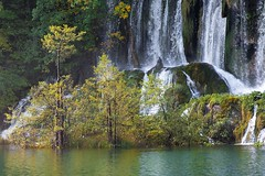 Wasserfall (Jonas Beck Fotografie) Tags: lake berlin nature water see wasser wasserfall croatia waterfalls kroatien querformart