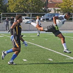 D124370S (RobHelfman) Tags: sports losangeles football highschool loyola crenshaw passingleague
