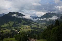 Gstaad . Louwenetal (BE) (Toni_V) Tags: sky alps nature clouds landscape schweiz switzerland europe suisse hiking wolken rangefinder mp alpen svizzera wanderung berneroberland berneseoberland randonne gstaad 2016 svizra leicam lauenen 35mmf14asph bissen 35lux messsucher 160702 35mmf14asphfle typ240 toniv m2400457 louwenetal