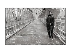 nyc#83 - Jewish Man On Williamsburg Bridge (Nico Geerlings) Tags: nyc ny usa us newyorkcity manhattan brooklyn lowereastside jewish inthoughts pedestrianwalkway williamsburgbridge williamsburg orthodox ngimages nicogeerlings nicogeerlingsphotography leicammonochrom 50mm summilux