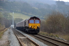 66104 approaches Hathersage with the 6M11 Washwood Heath to Peak Forest, 12th March 2015. (Dave Wragg) Tags: diesel derbyshire railway loco locomotive hathersage class66 ews 66104 hopevalleyline 6m11