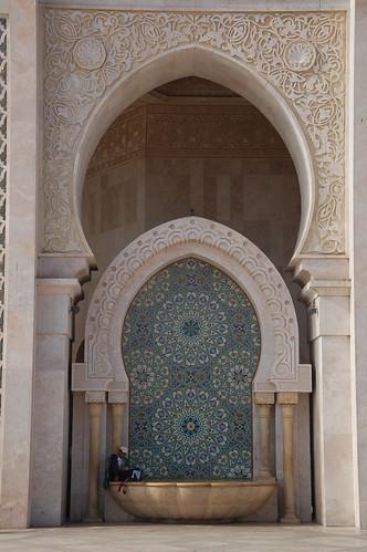 "Casablanca - meczet Hassana II - fasada <a style=""margin-left:10px; font-size:0.8em;"" href=""http://www.flickr.com/photos/125852101@N02/16771244776/"" target=""_blank"">@flickr</a>"
