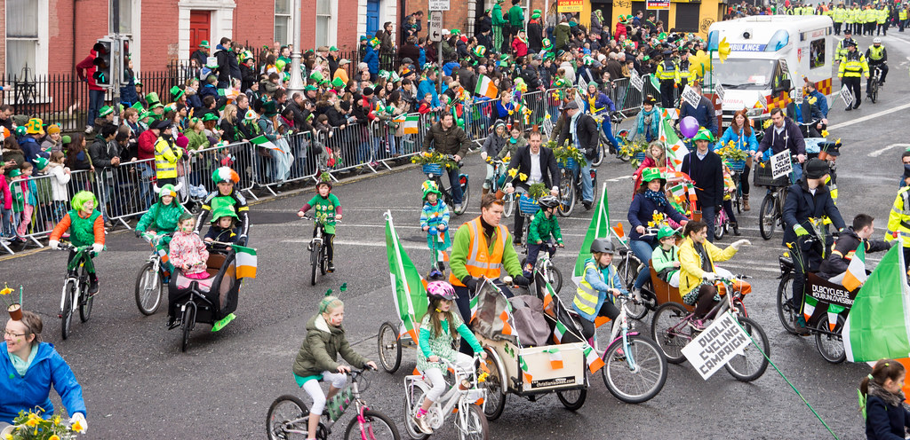 DUBLIN CYCLING CAMPAIGN - ST. PATRICK'S PARADE 2015 IN DUBLIN REF-102362