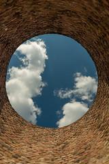 Blick durch einen Kamin der Vlklinger Htte (vauku1972) Tags: museum htte saarland weltkulturerbe stahlwerk vlklingen